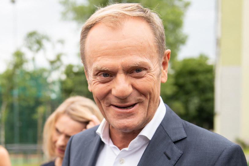"""Donald Tusk lubi Andrzeja Dudę za """"otwartość"""" /Mateusz Słodkowski /AFP"""