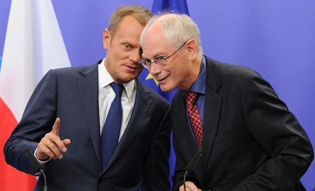 Donald Tusk ma rozmawiać o pakcie z szefem Rady Europejskiej Hermanem Van Rompuyem /AFP