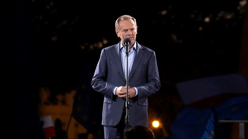 Donald Tusk na Placu Zamkowym w Warszawie /Polsat News