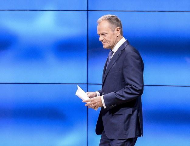 """Donald Tusk o decyzji KE: """"Uważam, że miejsce Polski jest w UE i szerzej"""""""