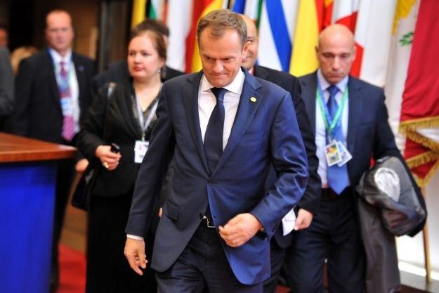 Donald Tusk po pierwszym dniu szczytu UE /AFP