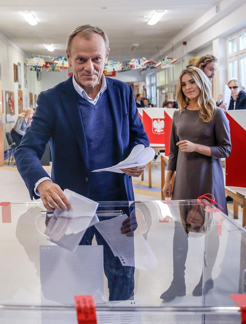 Donald Tusk podczas głosowania /Karolina Misztal /Reporter