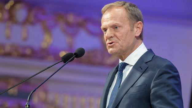 Donald Tusk podczas przemówienia na w Poznaniu /Jakub Kaczmarczyk /PAP