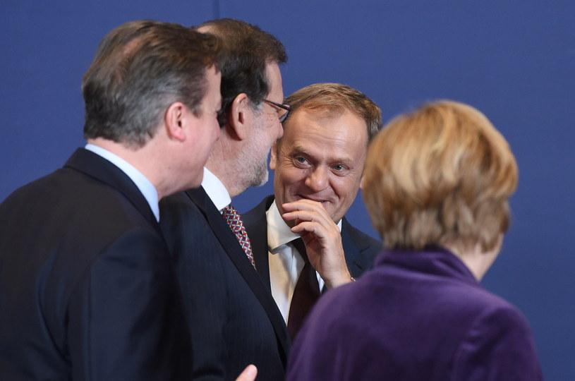 Donald Tusk, premier Hiszpanii Mariano Rajoy, Angela Merkel i David Cameron podczas szczytu Unii Europejskiej w Brukseli /Radek  Pietruszka /PAP