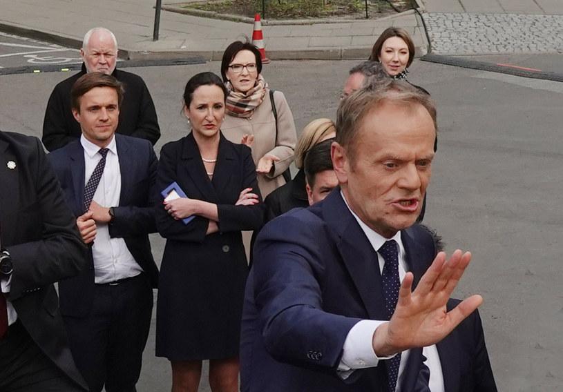 Donald Tusk, w tle Ewa Kopacz /Wojtek Laski /East News