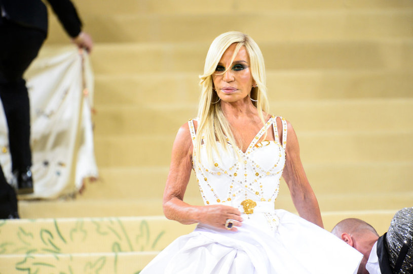 Donatella Versace podczas MET Gala 2021 / Ray Tamarra / Contributor /Getty Images