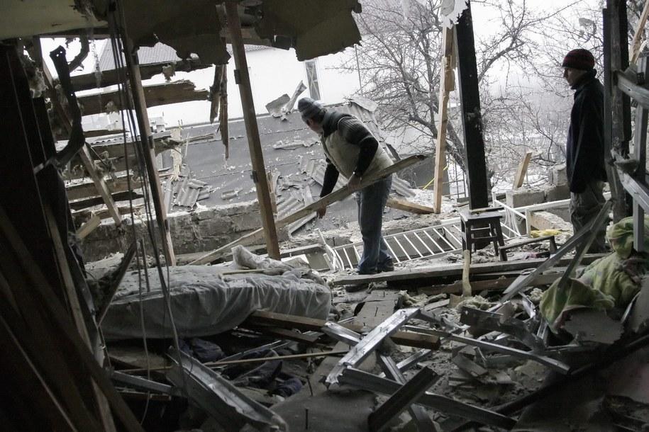 Donieck. Ruiny domu zniszczonego w bombardowaniu /ALEXANDER ERMOCHENKO /PAP/EPA