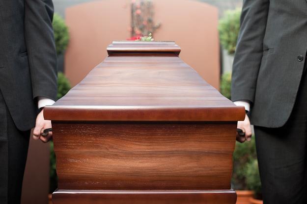 Dookreślone zostaną warunki wypłat dla rodziny za śmierć najbliższych /©123RF/PICSEL