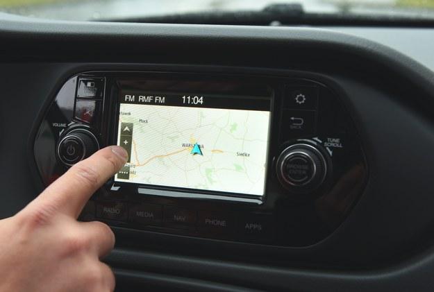 Dopłata za nawigację jest na rozsądnym poziomie (1500 zł). Ekran dotykowy ma przekątną 5 cali, czyli tyle, co ekrany współczesnych smartfonów. /Motor