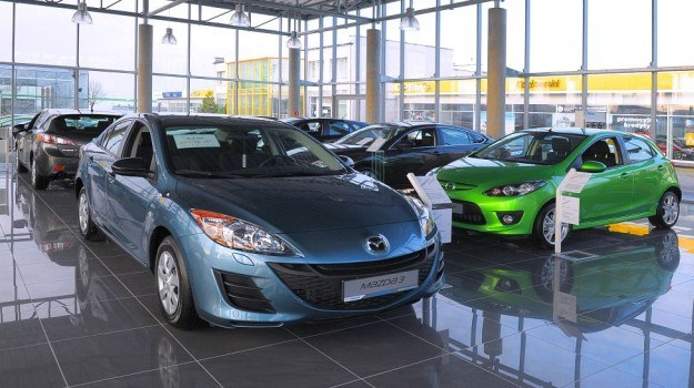 Dopłaty do niedrogich aut maja być sposobem na pobudzenie sprzedaży. /Mazda