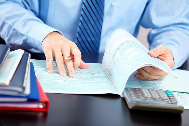 Dopóki będą istniały ZUS i uprzywilejowany KRUS, przedsiębiorcy będą szukali oszczędności /©123RF/PICSEL