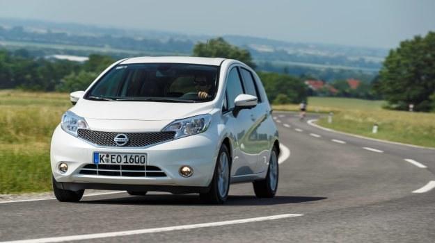 Dopracowana aerodynamika (współczynnik oporu powietrza – 0,30) przyczynia się do niewielkiego zużycia paliwa, podobnie jak niższa o 55 kg masa. /Nissan