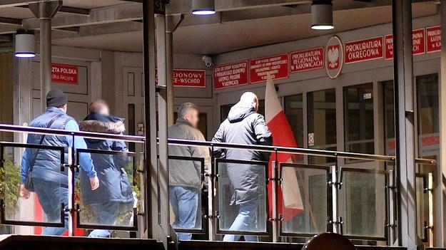 Doprowadzenie Kamila D. do katowickiej prokuratury / Andrzej Grygiel    /PAP
