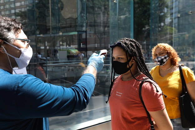 Doradca Trumpa: nie ma drugiej fali koronawirusa /Peter Foley /PAP/EPA