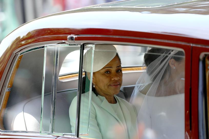 Doria Ragland i Meghan Markle w drodze do kościoła /WPA Pool /Getty Images
