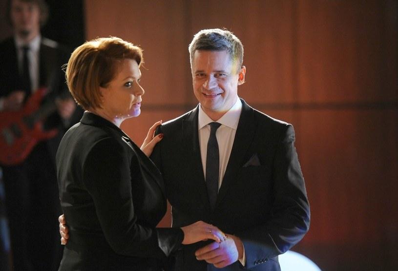 Dorota da do zrozumienia mecenasowi Tulińskiemu, że nie jest jej obojętny... /Agencja W. Impact