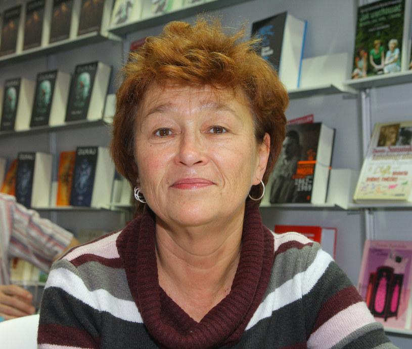 Dorota Sumińska od lat udziela porad opiekunom zwierząt w radiowej audycji /Damian Klamka /East News
