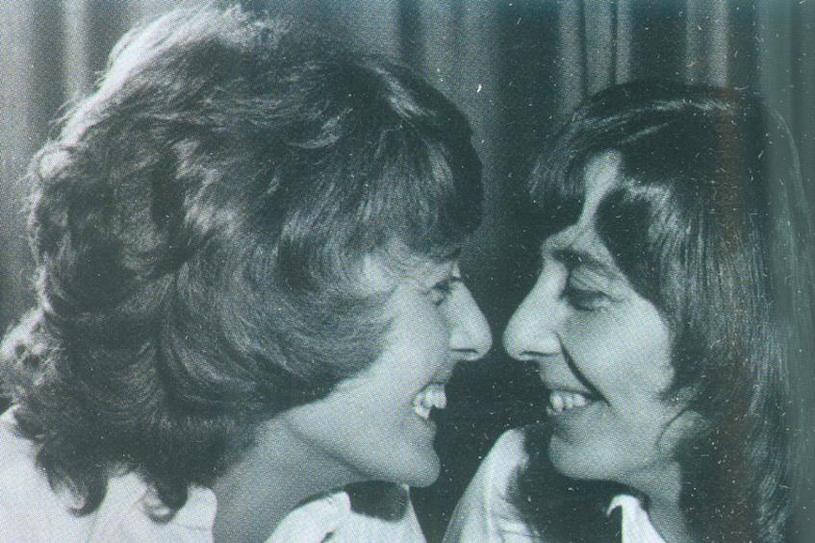 Dorothy Lowe i Bridget Harrison - rozłączone w dzieciństwie bliźniaczki, które spotkały się po latach /materiały prasowe