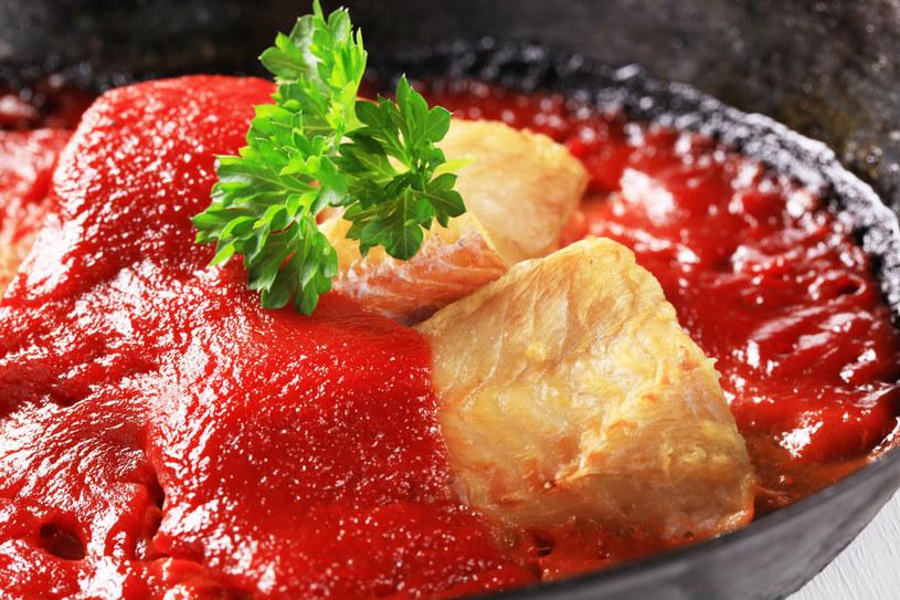 Dorsz w pomidorach /123RF/PICSEL