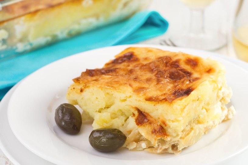 Dorsz zapiekany z ziemniakami i śmietaną - portugalski przysmak /123RF/PICSEL