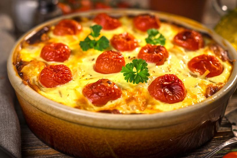 Doskonała na rodzinny obiad, dobrze smakuje na ciepło i na zimno /123RF/PICSEL