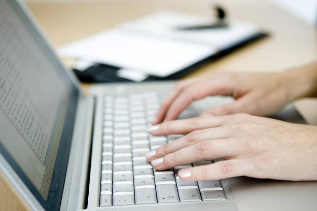 Dostałeś e-mail z urzędu skarbowego. Czy musisz odpisywać? /Dziennik Gazeta Prawna