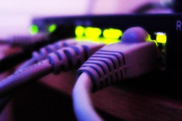 Dostęp do internetu w mniejszych miejscowościach wciąż jest w Polsce mocno ograniczony /stock.xchng
