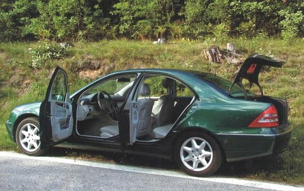 Dostęp do przestrzeni bagażowej i kabiny, jak w każdym przeciętnym sedanie. /Motor