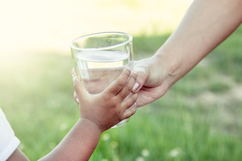 Dostęp do wody pitnej to jedno z podstawowych praw człowieka /123RF/PICSEL