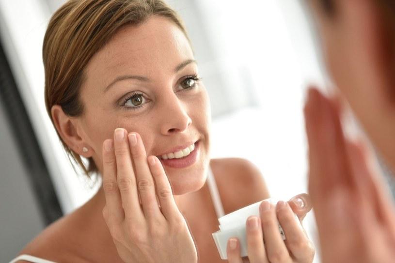 Dostosuj pielęgnację do naturalnego rytmu skóry /123RF/PICSEL