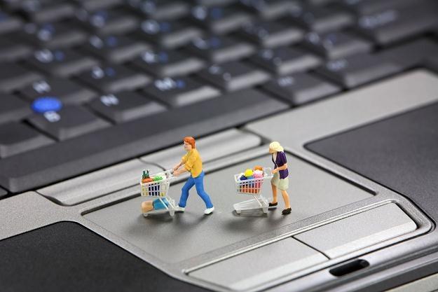 Dotacje na e-usługi to jedna form wsparcia unijnego, która cieszy się największą popularnością /©123RF/PICSEL