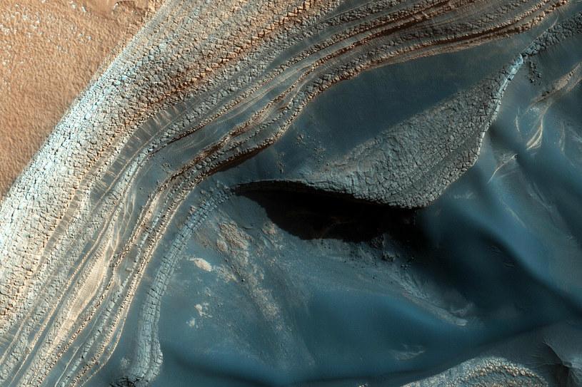 Dotarcie do wody na Marsie wcale nie powinno być trudne /NASA