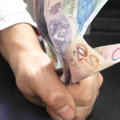 Dotychczas m.in. na szkolenia pracowników socjalnych i pomoc społeczną wydano już 324 mln zł /INTERIA.PL