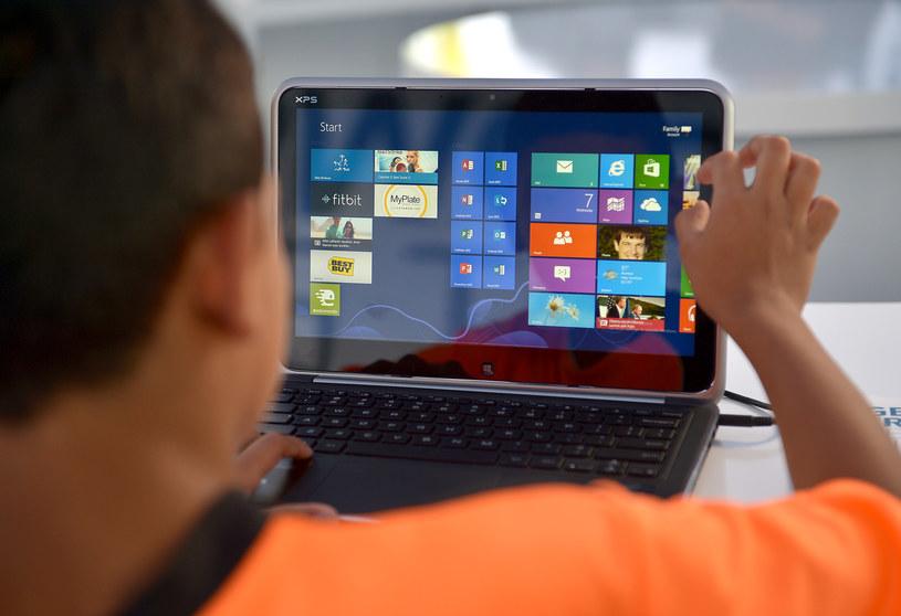 Dotykowe ekrany w notebookach nie cieszą się zbytnim entuzjazmem użytkowników /AFP