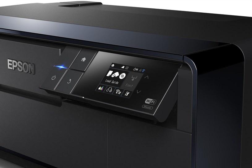 Dotykowy panel sterujący na obudowie drukarki /materiały prasowe