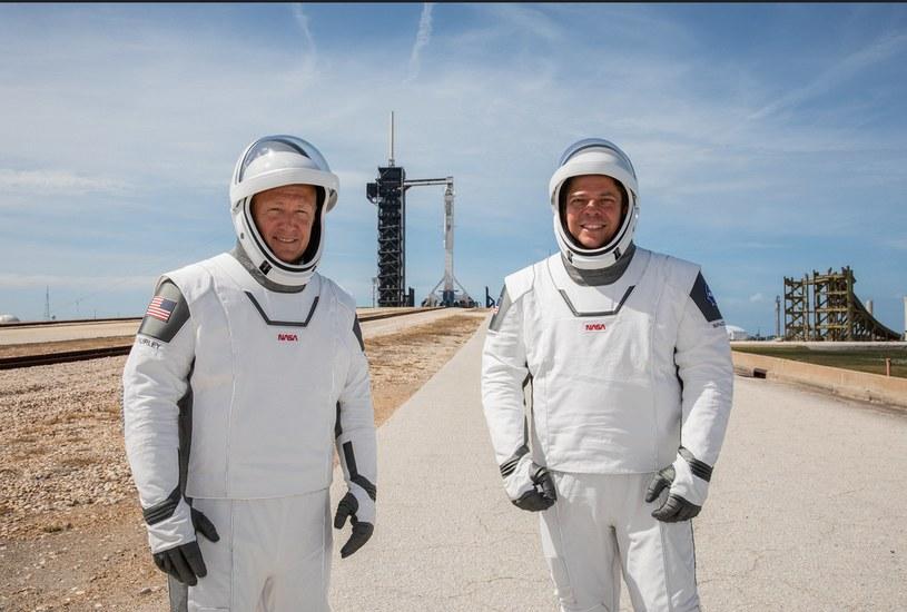Douglas Hurley (z lewej) i Robert Behnken /materiały prasowe