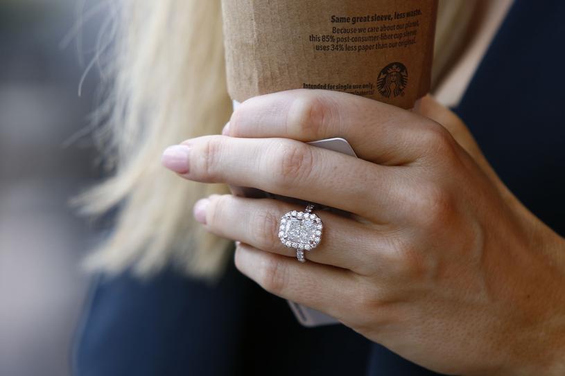 Douglas Nunes wybrał dla Krupy pierścionek o wartości dwóch milionów dolarów /East News