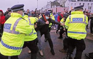 Dover: Starcia kierowców z angielską policją