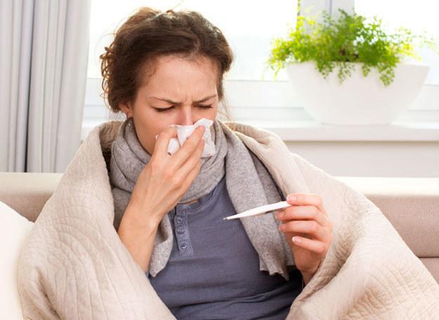 Dowiedz się, jak możesz uniknąć choroby /123RF/PICSEL