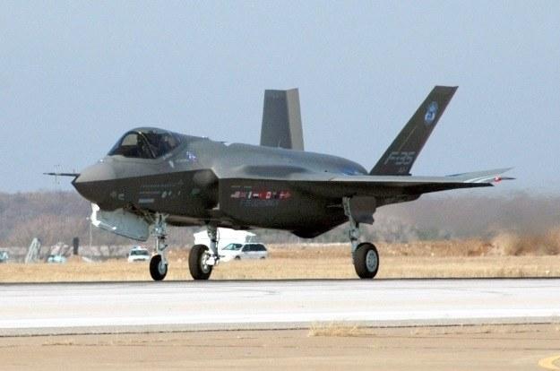 Dowództwo USAF zaprzeczyło, jakoby w Newadzie rozbił się myśliwiec F-35. Co więc spadło na ziemię? /AFP