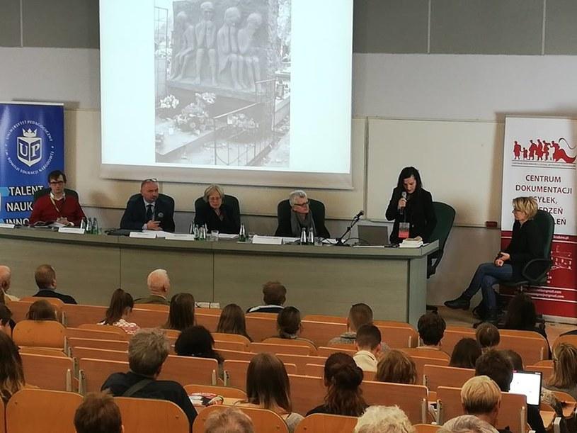 Dr Beata Kozaczyńska podczas konferencji w Krakowie /Izabela Rzepecka /INTERIA.PL