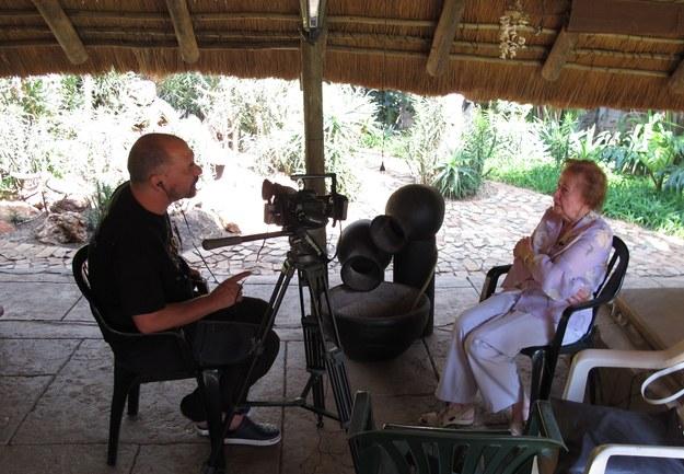 Dr hab. Hubert Chudzio podczas przeprowadzania wywiadu ze świadkiem historii. RPA, 2015 r. /Centrum Dokumentacji Zsyłek, Wypędzeń i Przesiedleń Uniwersytetu Pedagogicznego /