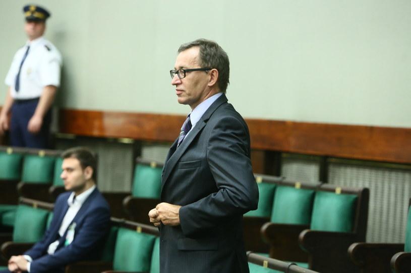 Dr Jarosław Szarek na sali plenarnej Sejmu /Leszek Szymański /PAP