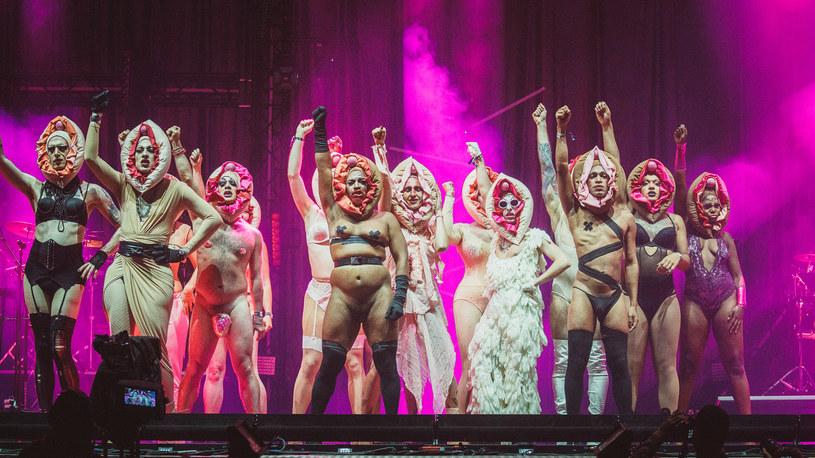 Drag queens przed występem Fever Ray na Melt Festival 2018 /Stephan Flad /Oficjalna strona festiwalu