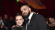 """Drake całuje nieletnią fankę na koncercie. """"Podobał mi się dotyk twoich piersi"""""""
