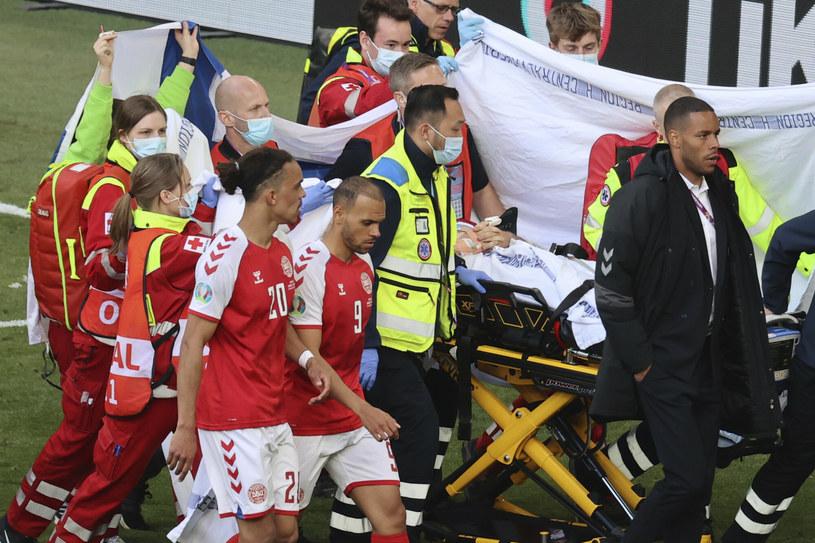 Dramat na murawie podczas meczu Dania-Finlandia /POOL/ Reuters /East News