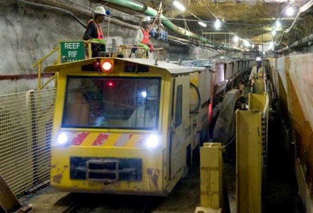 Dramatyczna akcja ratunkowa w kopalni. Górnicy uwięzieni przez lawinę
