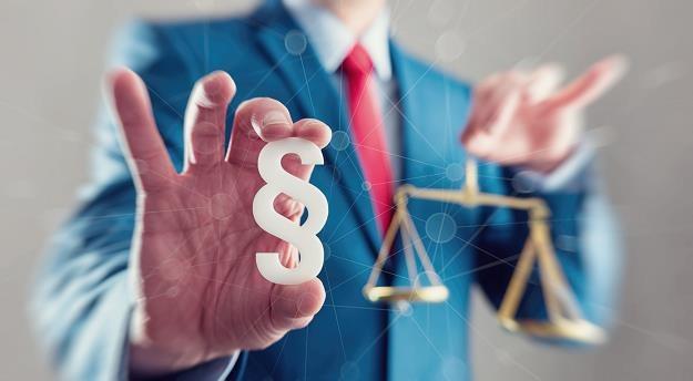 Dramatyczny stan prawny nieruchomości przejętych przez samorządy /©123RF/PICSEL