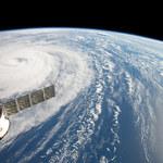 Drapacze chmur sprowadzają ulewy podczas huraganów