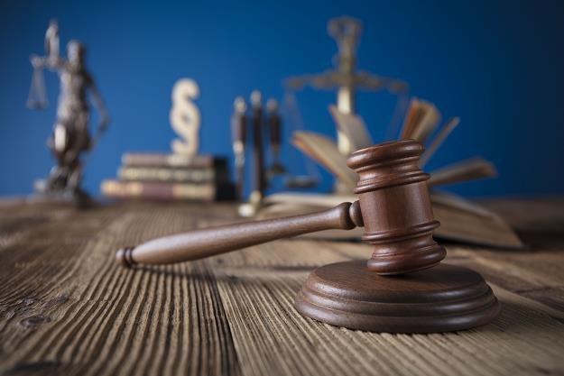 Drastyczne uprawnienia dla prokuratorów wobec firm i partii politycznych /©123RF/PICSEL
